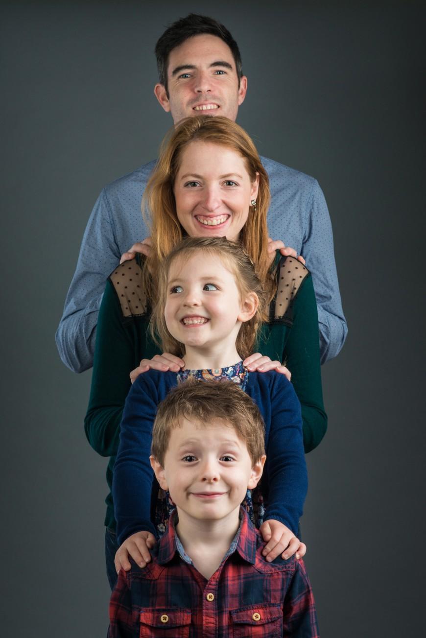Photographe seance photo famille en studio à Nice  (1)