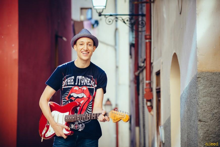 Abdel, jeune guitariste niçois