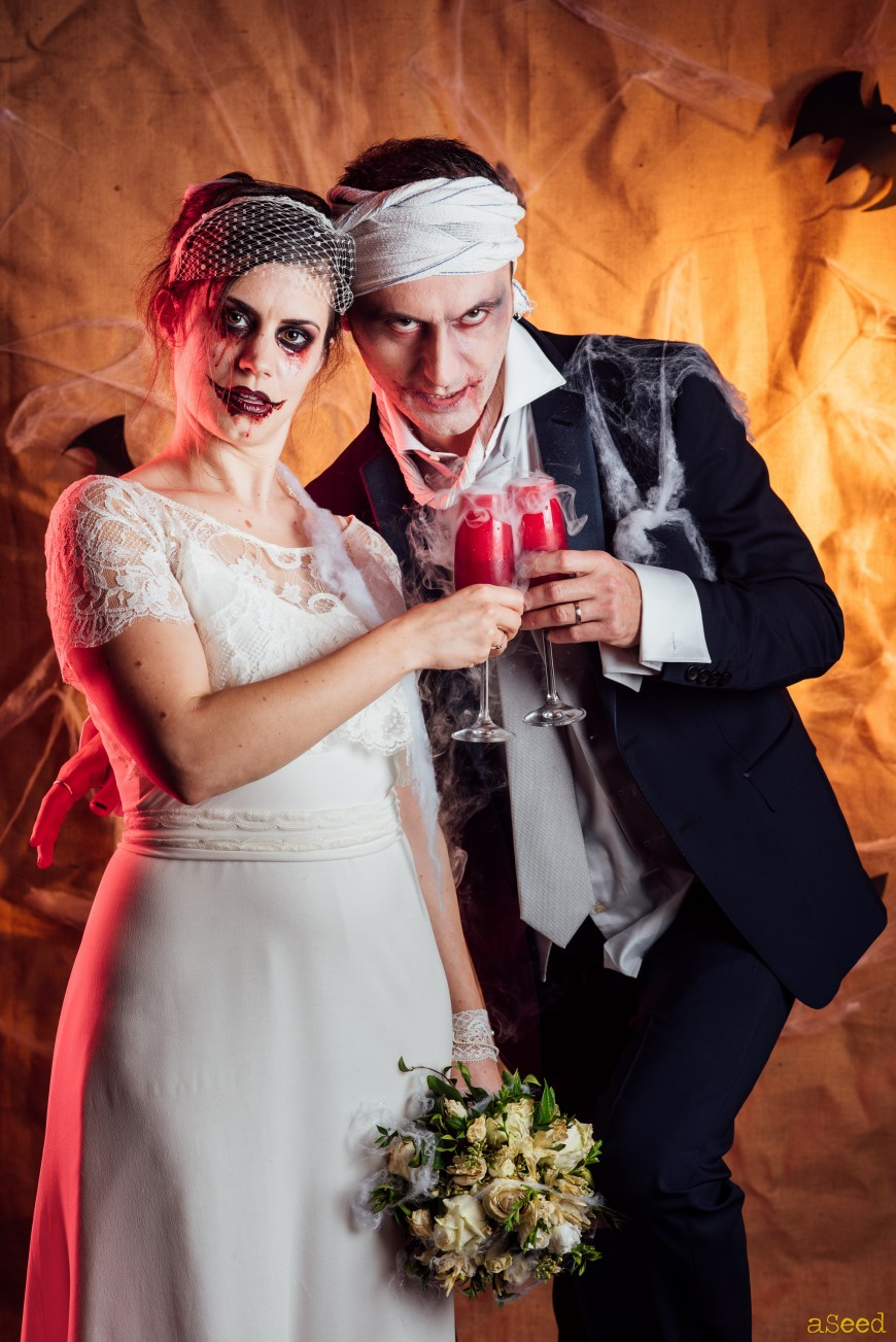 Mariés trash the dress Halloween