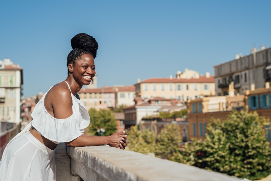 Lifestyle photographer in Nice - Old town (5)